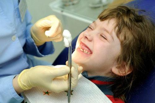 """Image result for """"Lời khuyên"""" có nên nhổ răng sữa cho trẻ em hay không?"""