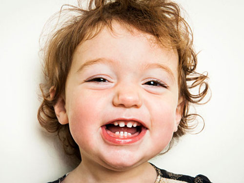 Cách xử lý răng sữa bị lung lay Nhẹ nhàng Không Đau cho bé 2