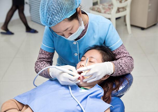 Khắc phục ảnh hưởng khi nhổ răng như thế nào?