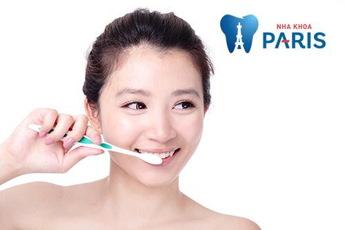 Nhổ răng khôn xong có được đánh răng không?