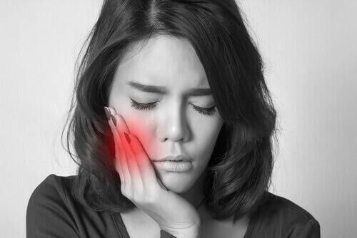 Nhổ răng số 8 có nguy hiểm hay biến chứng không?【BS tư vấn】2
