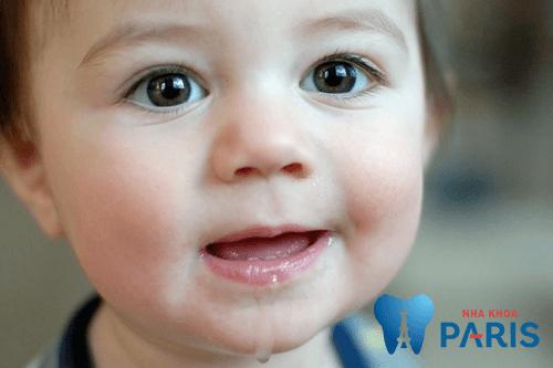 7 Dấu hiệu trẻ mọc răng ở trẻ cha mẹ CẦN GHI NHỚ THẬT KỸ 1