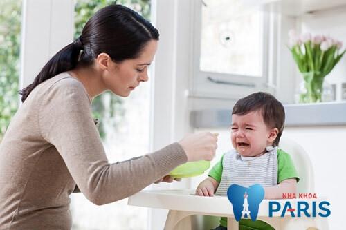 7 Dấu hiệu trẻ mọc răng ở trẻ cha mẹ CẦN GHI NHỚ THẬT KỸ 2