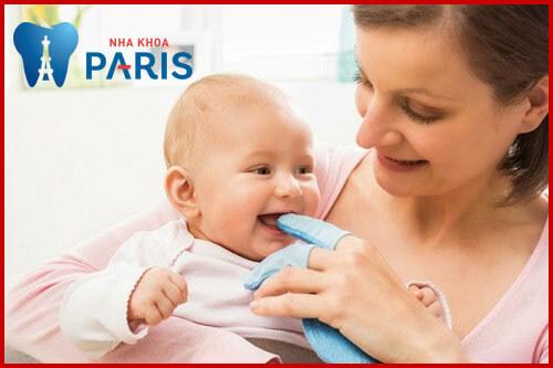 Trẻ sốt mọc răng mấy ngày thì hết? Có nên dùng thuốc hạ sốt không? 4