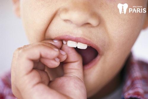 Cách nhổ răng bằng tay không đau