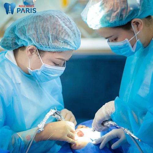 Tại Paris nhổ răng số 6 có nguy hiểm không