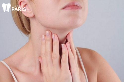 Bị sưng nướu răng và nổi hạch