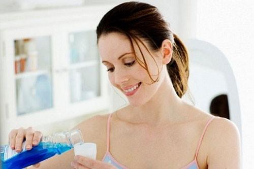 Bà bầu có được dùng nước súc miệng Listerine không