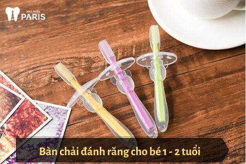 bàn chải đánh răng cho bé 2 tuổi