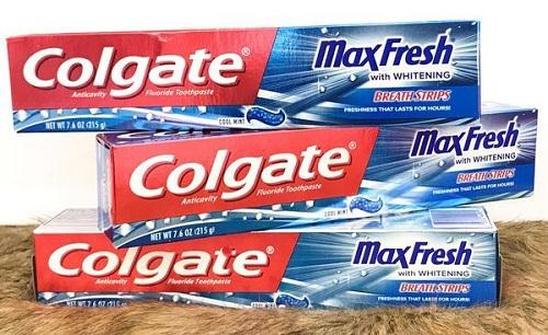 Giá kem đánh răng Colgate Maxfresh 200g